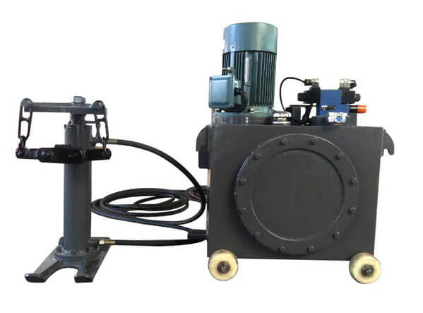 Compact grouting pump