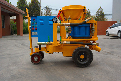 compact concrete spraying machine