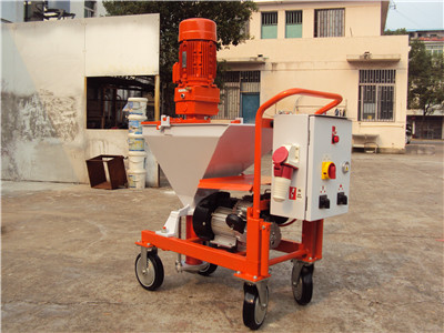 Spraying plaster machine