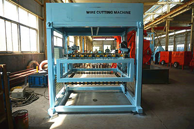 Foam concrete brick cutting machine